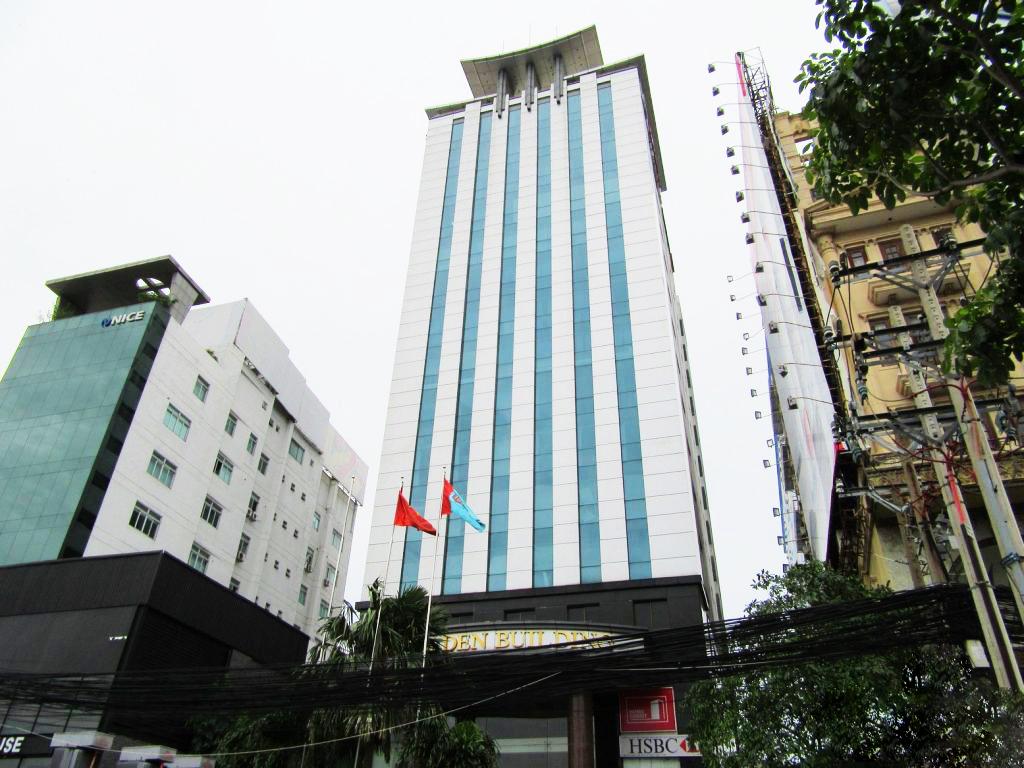 194 Golden Building